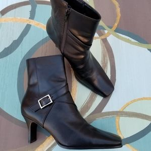Gianni Bini Black Leather Ankle Boots - size 6